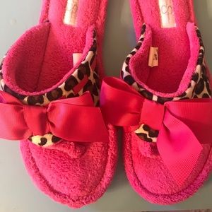 Jessica Simpson house slippers